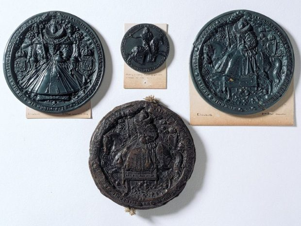 Seals of Elizabeth I & Henry de Lacy, Earl of Lincoln